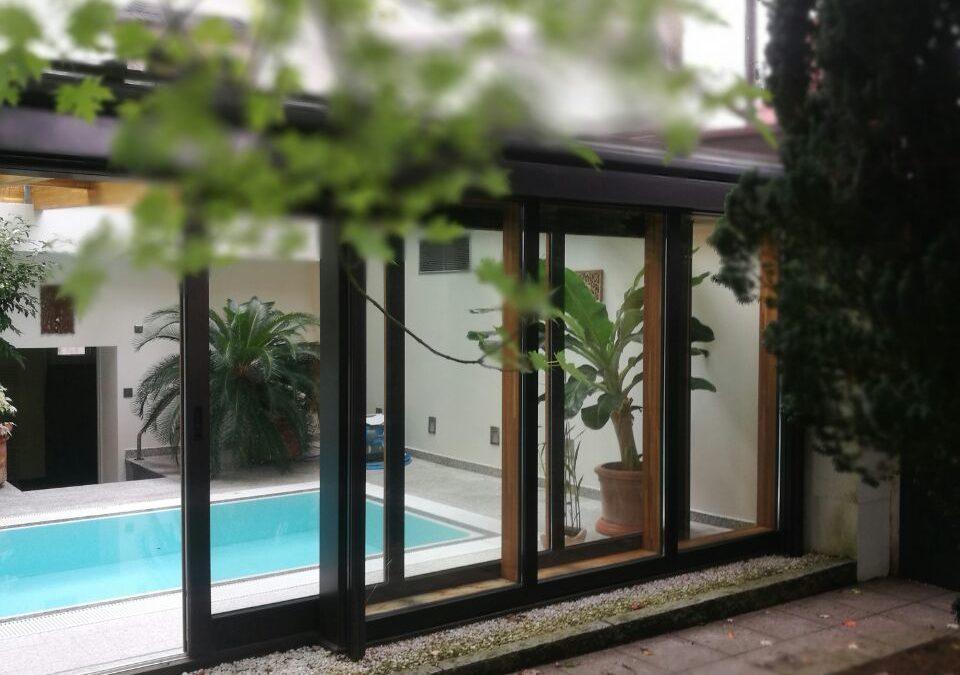 Sanierung – Ein Wintergarten lädt zum Schwimmen ein